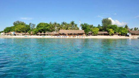 Bali to Gili Islands: View from the sea to Gili Trawangan