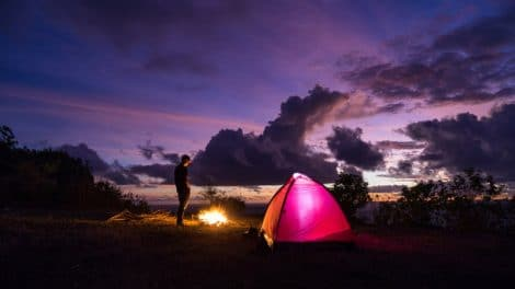 Camping in Bali: Bukit Asah after sunset